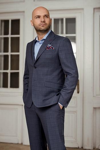 Gentlemen`s Corner Blue Check Suit